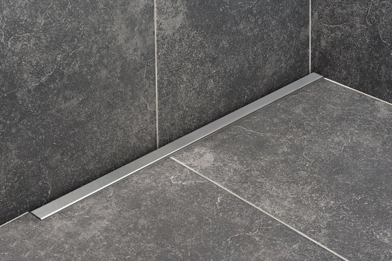 Badkamer Zonder Afvoer : Een betegelde douchevloer waterdicht zonder lekkage