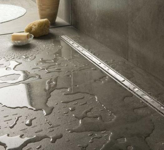 Lekkage douche voorkomen door correcte installatie.